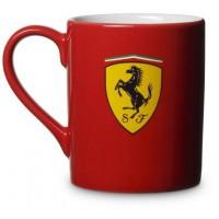 *Фирменная кружка с логотипом Ferrari, красная