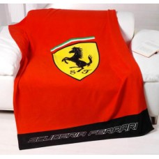 *Красный плед с логотипом Ferrari (130х170 см)