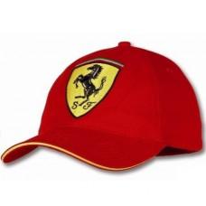 Красная бейсболка Ferrari