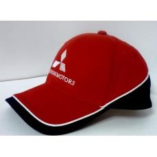 *Красная бейсболка Mitsubishi Motors