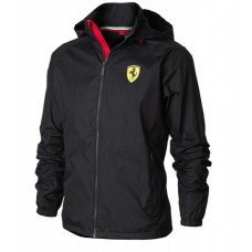 Чёрная мужская ветровка Ferrari с капюшоном