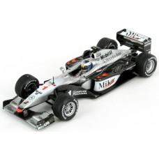 *Модель болида (1:18)  Mika Hakkinen McLaren Mercedes MP4/15 Formula 1 2000