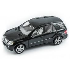 Масштабная коллекционная модель (1:18) - Mercedes-Benz ML 350 W164