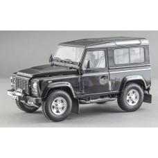 Масштабная коллекционная модель (1:18) - Land Rover Defender 90