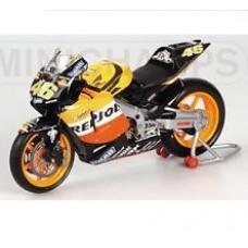 Масштабная модель (1:12) Мотоцикла Honda RC211V Valentino Rossi